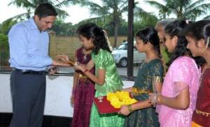 Being welcomed at Sri Prakash Synergy School, Peddapuram, Andhra Pradesh